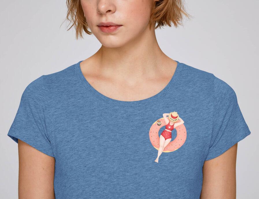 La vie est belle t-shirt by mangos on monday