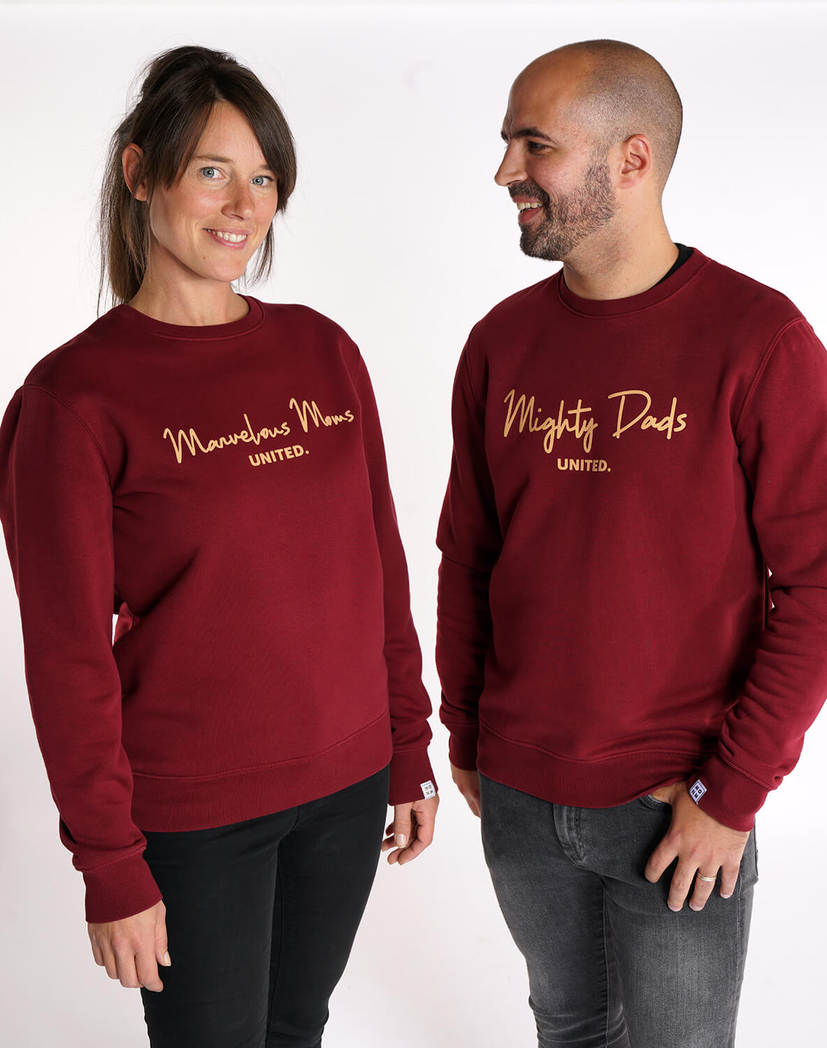 Marvelous moms united & Mighty Dads united sweater van Mangos on Monday