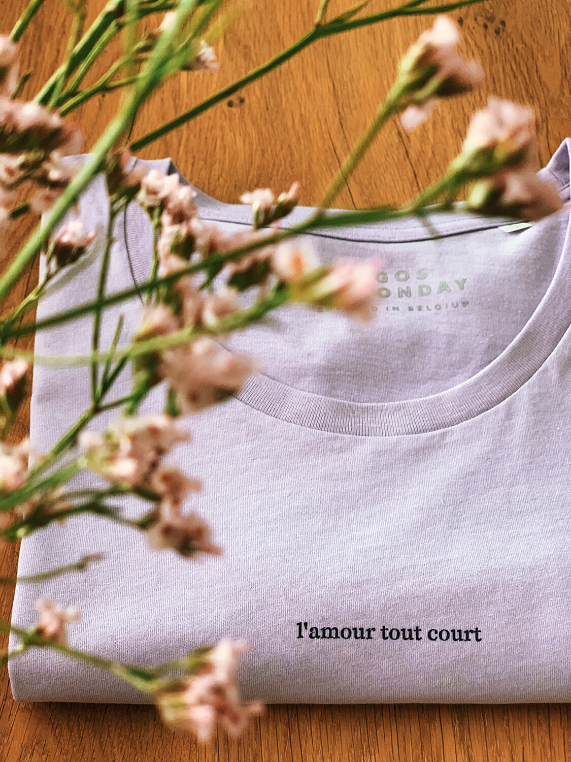 l'amour tout court t-shirt by Mangos on Monday