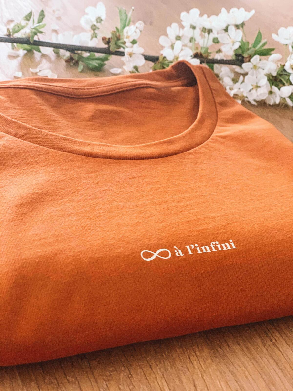 à l'infini t-shirt by Mangos on Monday