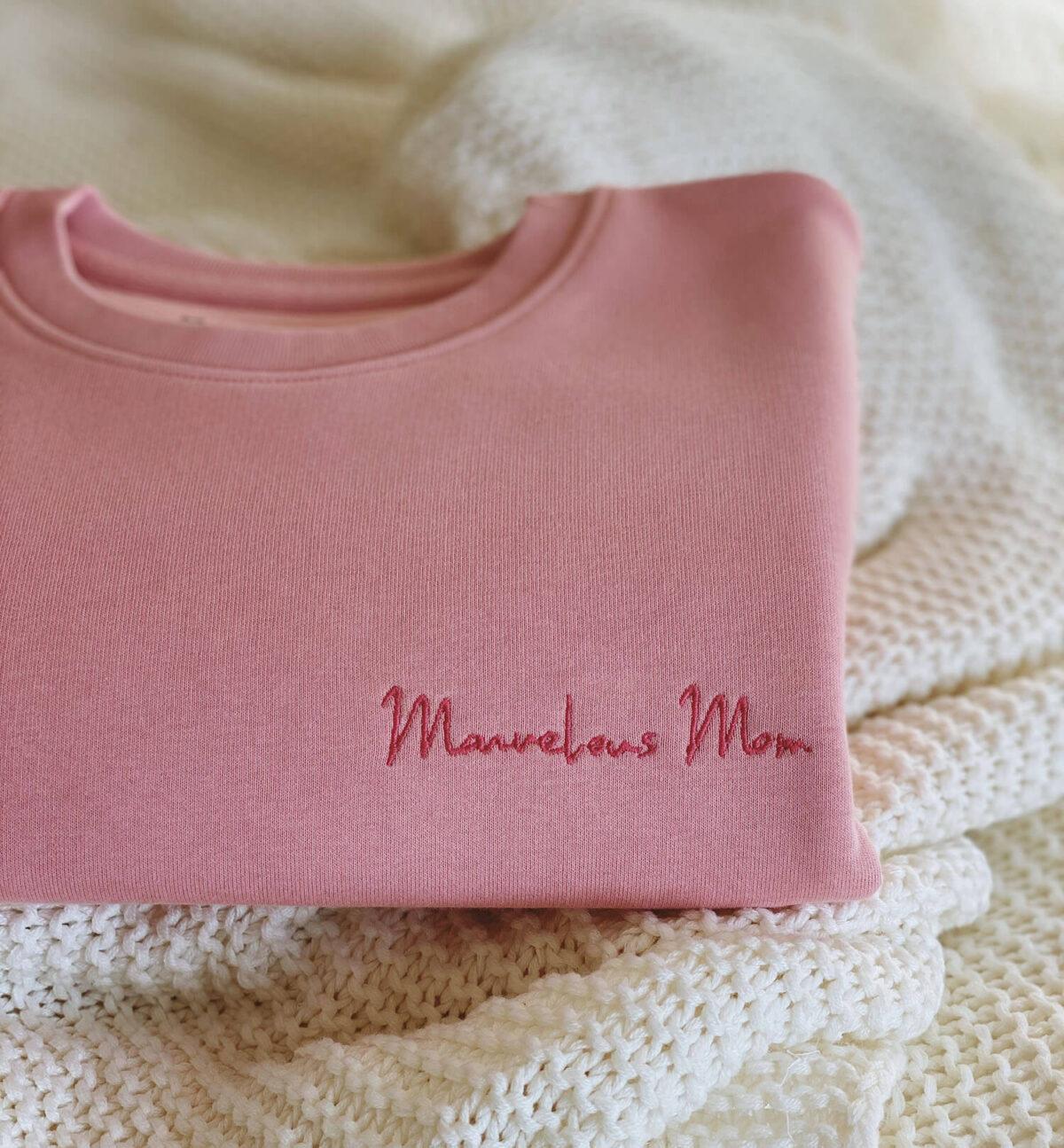 Marvelous Mom sweater by Mangos on Monday-Mom-MonM-LeenDictus3