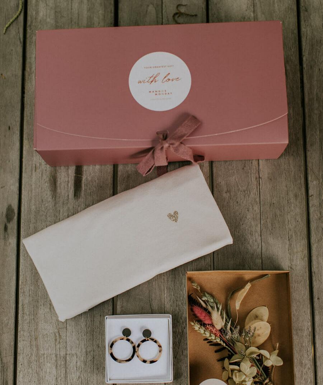 Love (vintage white) - Giftbox - Mangos on Monday